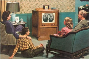 50's_family_watching_TV